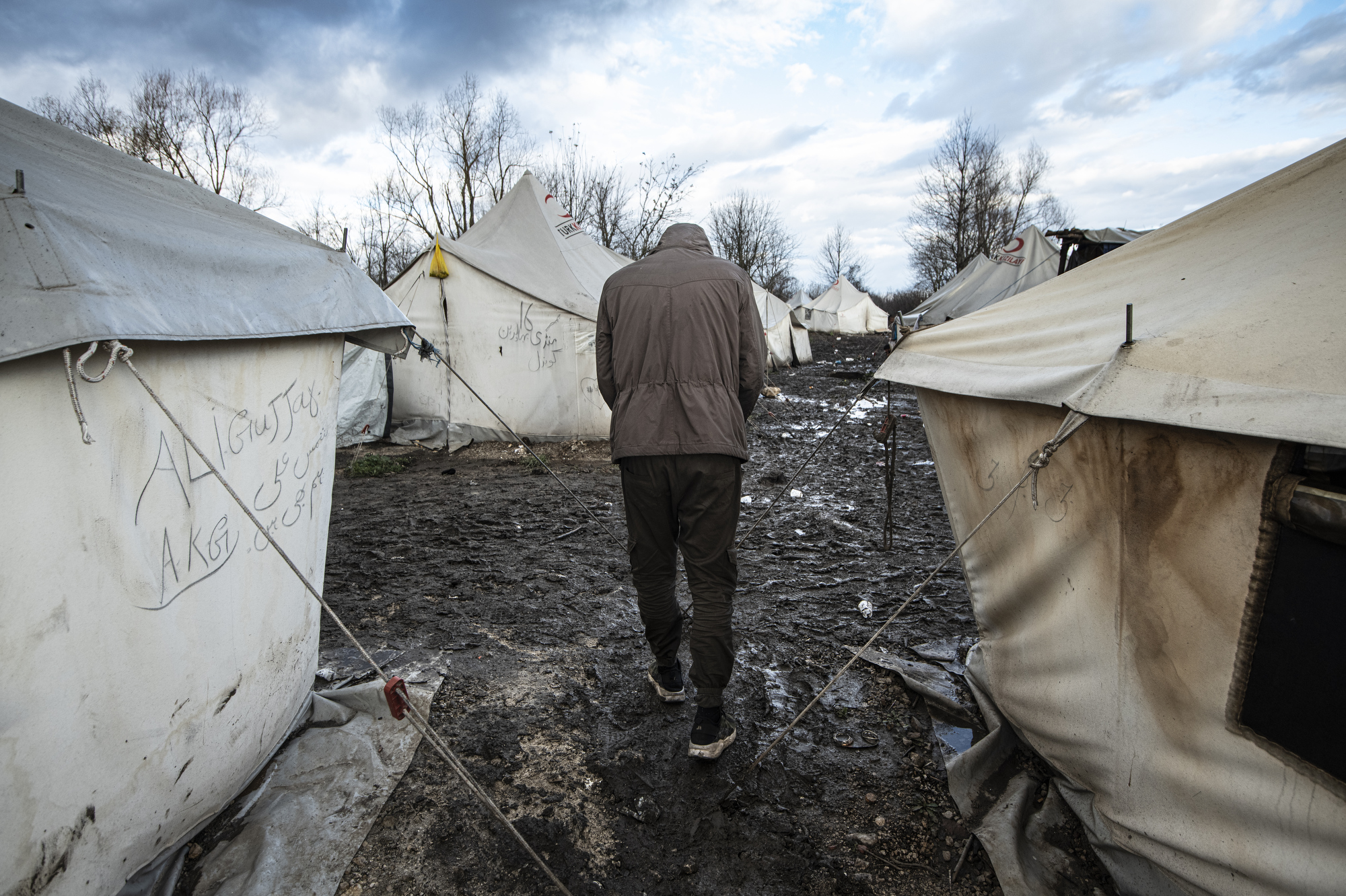 Teenage migrants trapped in Bosnia's bleak forests